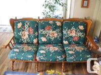 Green floral, very classic and Beautiful antique 3 seat