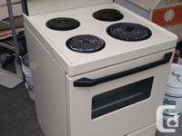 Electric stove, works great just replaced with a full