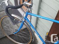Hello, *make me an offer* Selling my Apollo road bike
