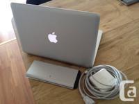 "Aluminum ""Unibody"" MacBook ""Core 2 Duo"" (Late 2008)."