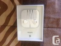 Brand new apple earpods Asking $30  email