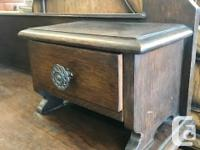 Lovely arts & crafts oak English vanity dresser with