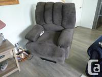 AS NEW POWER LIFT RECLINER CHAIR - HALF PRICE OF WHAT I
