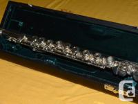 This high quality flute is in excellent condition and