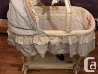 Great condition Simplicity baby bassinet from clean,