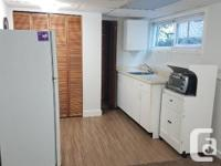# Bath 1 Sq Ft 600 Pets No Smoking No Gated property,