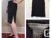 Banana Republic Knee-Length Skirt - size: small -