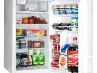 BAR / COMPACT REFRIGERATOR & BEVERAGE CENTER NEW STOCK