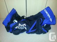 Blue as well as black. End pockets. Skate pockets.