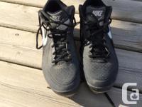 Nike baseball shoes, size 9 great shape, steel cleats.