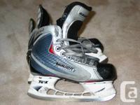 BAUER VAPOR X30 Ice Hockey Skates 3.5D JR- Same as
