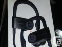 Black POWER BEATS 3 BY dr dre used only s few times