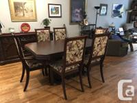 Create a bold, yet, classic look in your dining room