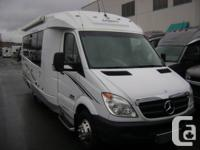 BEAUTIFUL CONDITION 2008 CANADIAN MADE LEISURE TRAVEL