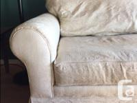 Free couch/sofa for you to enjoy! Completely clean and