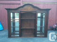 Beautiful dark mahogany showcase, 2 glass doors & 3