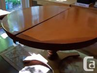 Beautiful and unique maghogany dining room table - 53.5