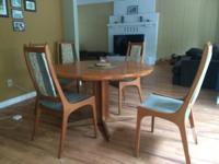 Very well kept hardwood Teak/Oak Dinning room Table