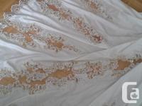 Beautiful Wedding Dress. Size 10-12. Long beautiful