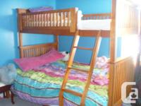 I am selling a beautiful Wood bunk bed which has a full