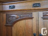 Beautiful sideboard from the Arts & Crafts era with