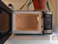 This microwave is hot. And by hot I mean sexy, not