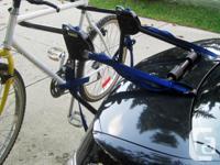 Thule Model 515-5033 Passage Trunk bike carrier for