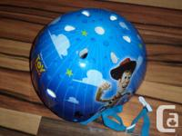 Toy story helmet very gently used very good condition