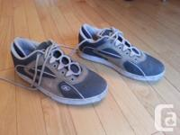 Size 10 1/2 sneaker-style walkable bike shoes with