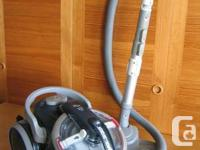 Black and Decker Cyclonic Canister Vacuum Cleaner