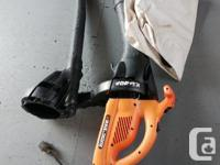 BV2500 Black and Decker Electric leaf blower with