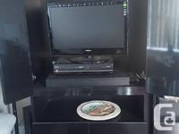 Selling a black lacquer unit which can accommodate a