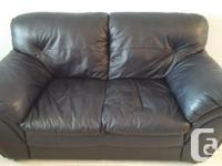 Black leather couch and loveseat in very good