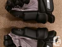 Black Nike Bauer Vapor X SR Hockey Gloves 15 inch. In