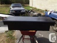 Selling this truck bed aluminum tool box, recently wire