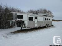2004 Bloomer 3 horse trailer with 17ft brief wall. LQ