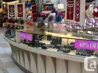 ARE YOU SEEKING SHOWCASES, MULTI-ITEM DISPLAYS AND WALL