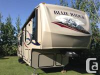 Available for sale: 2011 Blue Ridge 3025 Cabin Edition