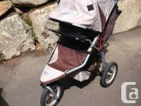 Bob Stroller in excellent condition for sale with tons