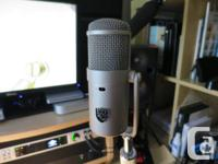 Like new Bock iFet microphone. Bought from a well-known