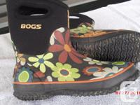 Mid boot in floral pattern. Great for working in the