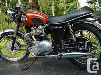 Beautiful Vintage Triumph Bonneville 650 T120R - Engine
