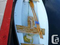 8' Booth fibreglass rowing and sailing dinghy. Well