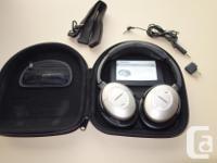 QuietComfort ® 2 Acoustic Sound Cancelling? earphones.