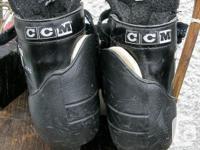 Boys CCM TACKS 452 Ice Goalie Skates Size 5 1/2 in very