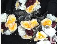Brand new 17 piece wedding flower set comes with 8
