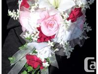 Brand new 33 piece wedding flower package comes with 8