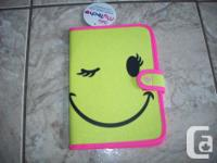Brand New - E-Reader Smilely Face Case in excellent