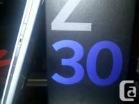 BRAND NEW IN THE BOX SEALED WHITE BLACKBERRY Z30 OS
