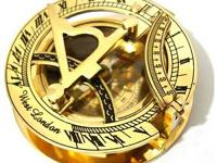 GadgetPlus.ca    Item: Brass Sundial Compass Pocket